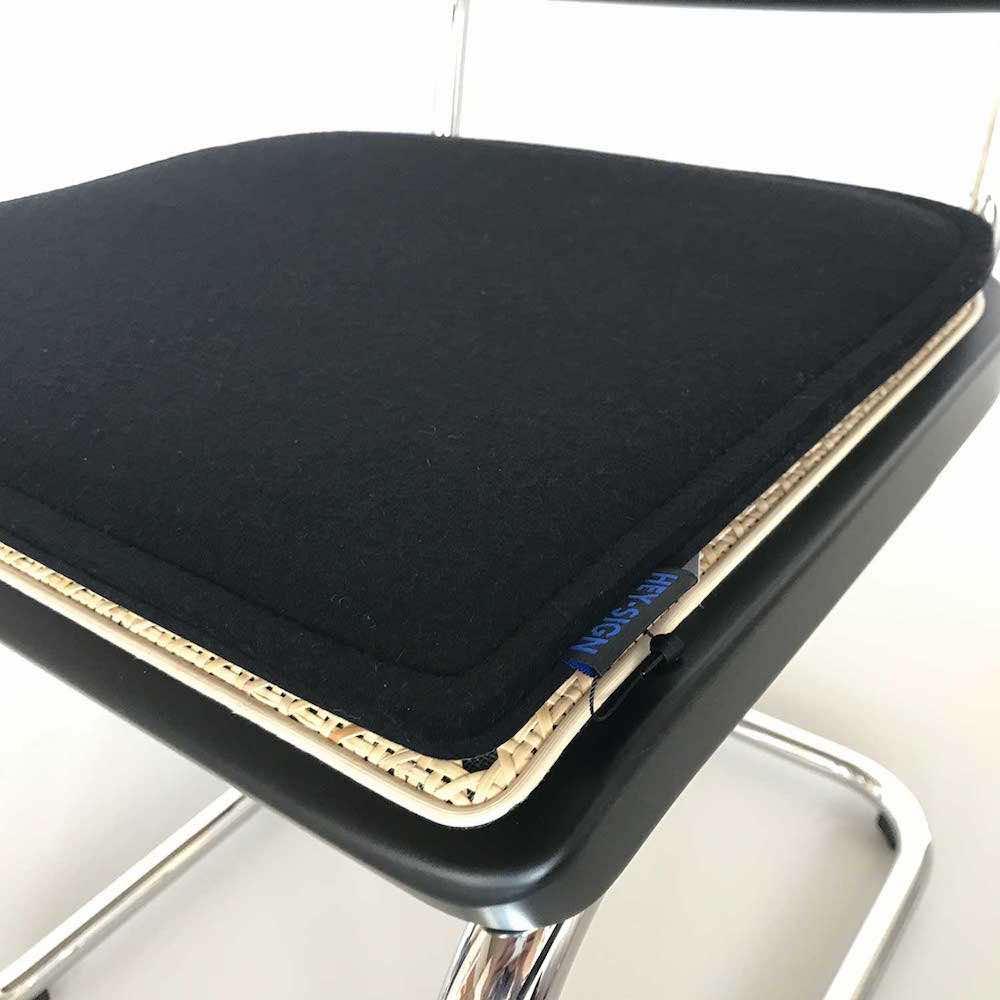 thonetshop hey sign sitzauflage f r thonet s 32 und s 64. Black Bedroom Furniture Sets. Home Design Ideas