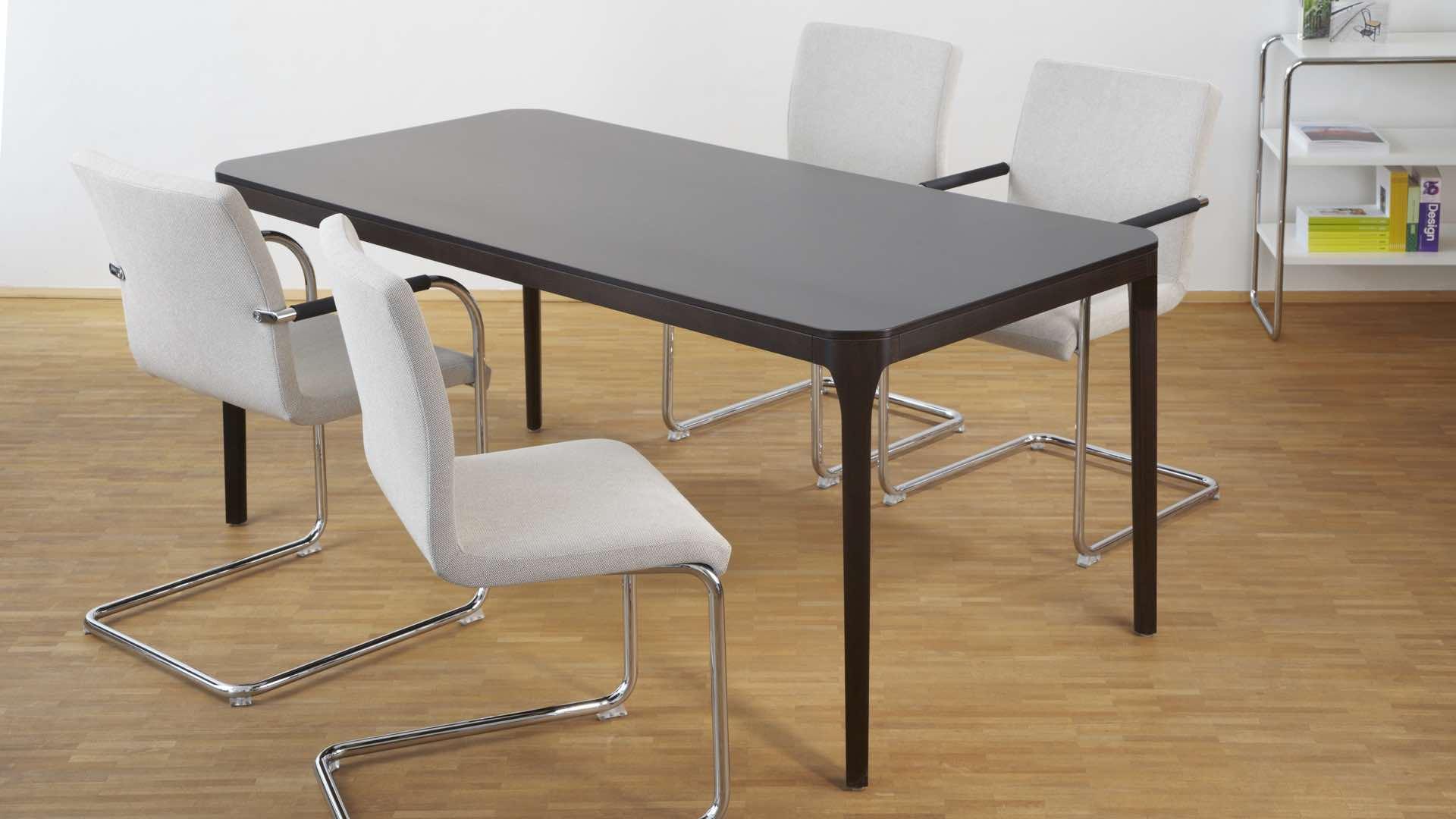 thonetshop thonet s 55 pvfdrw drehstuhl mit rollen. Black Bedroom Furniture Sets. Home Design Ideas