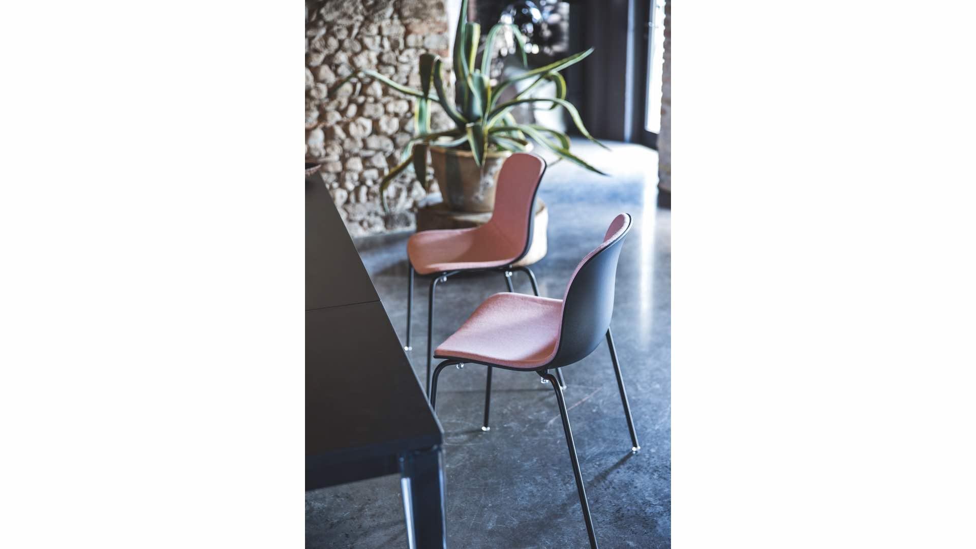 felix thonet shop magis troy 4star on wheels stuhl mit rollen. Black Bedroom Furniture Sets. Home Design Ideas